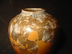 vaso com esmalte cristalino
