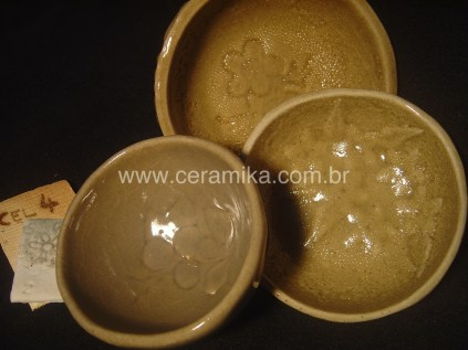 esmaltes celadon em bowls