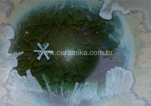 detalhe de esmalte ceramico macrocristalino