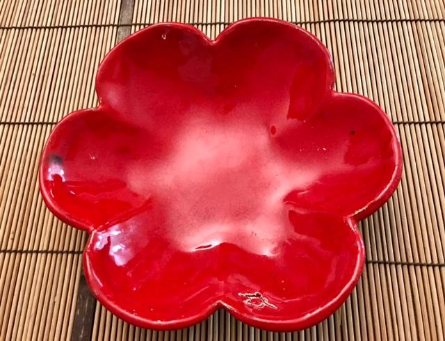 Pétale rouge -objets céramiques