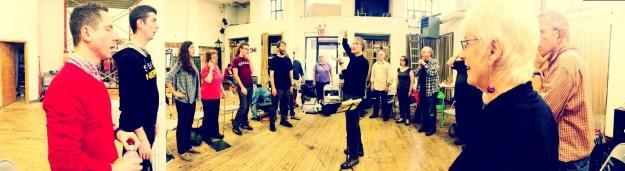 Cerddorion in rehearsal