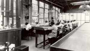 Fabrica en la que trabajaban las Chicas radio 1922