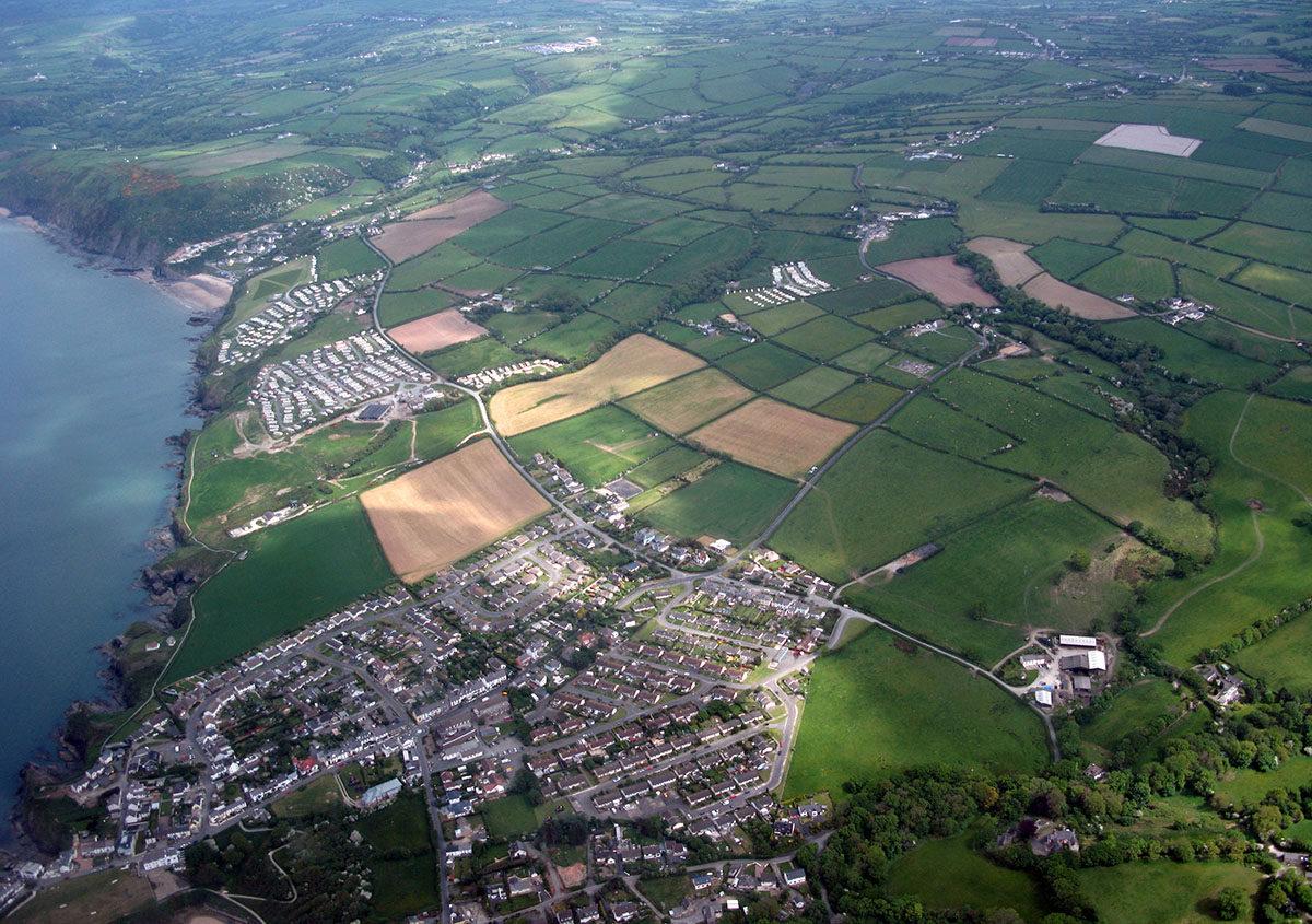 Hanes Aberporth - Darganfyddwch archeoleg, hynafiaethau a hanes Ceredigion