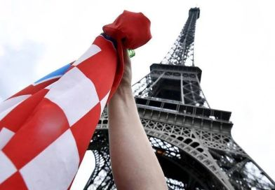 Nije šala: Besplatno otputujte u Pariz, pratite utakmicu u kafiću i zaradite!
