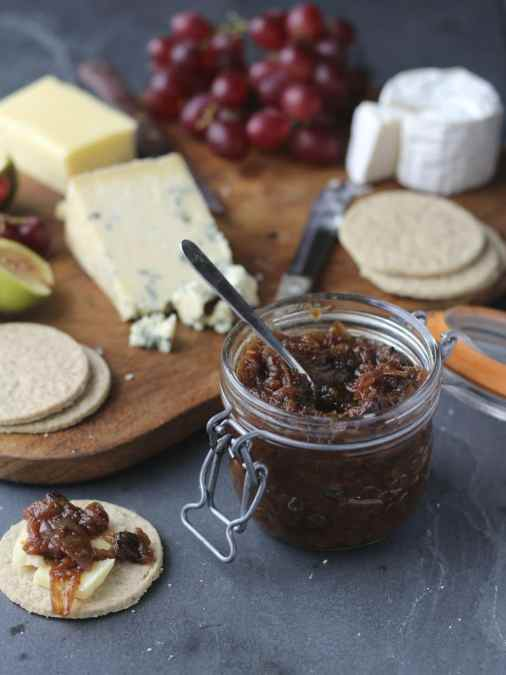 Slow Cooker Spiced Apple Chutney