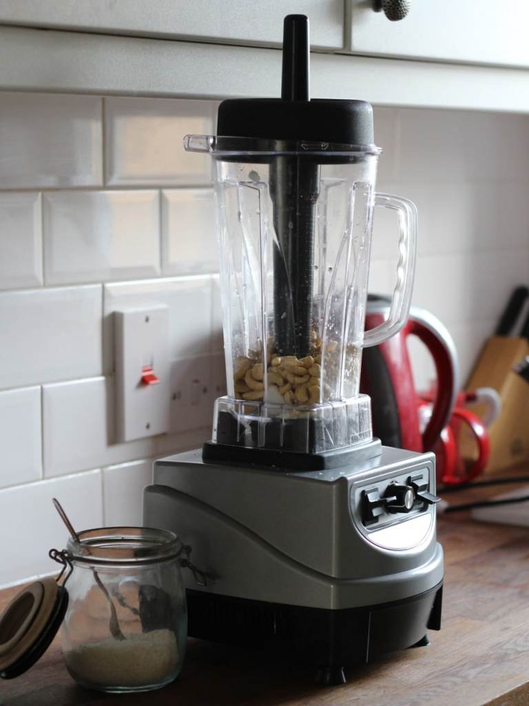 Froothie Optimum 9400 Blender Nut butter