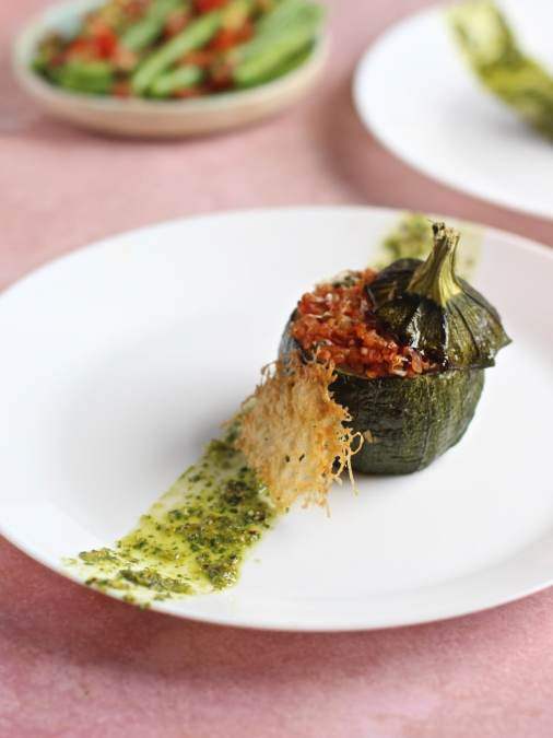 Stuffed round courgettes with bulghur wheat, tomato and capers