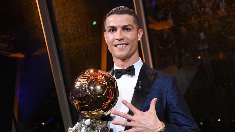 Cristiano Ronaldo Menomorduakan Trofi Ballon d'Or