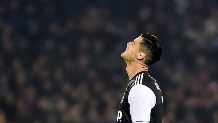 Cristiano Ronaldo Bermuka Masam saat Ditarik Keluar, Apa Kata Maurizio Sarri?
