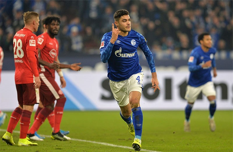 Liverpool Tertarik Mendatangkan Ozan Kabak untuk Menggantikan Dejan Lovren