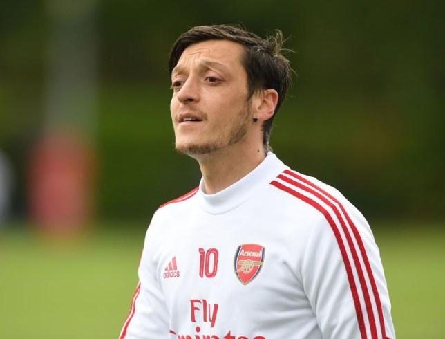Mesut Ozil: Saya Tidak akan Pergi Sebelum Durasi Kontrak Berakhir!