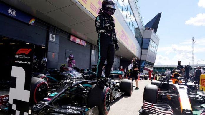 Sempat Berputar di Q2, Lewis Hamilton Berhasil Meraih Start Terdepan di GP Inggris