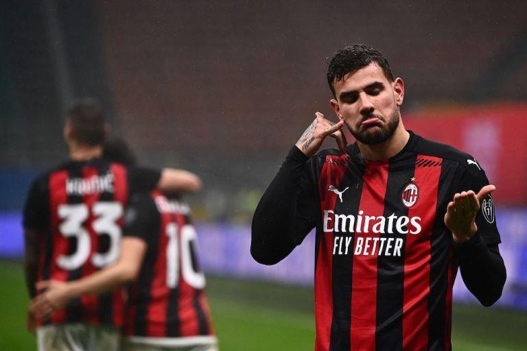 Theo Hernandez Pertahankan AC Milan di Pucuk Klasemen Serie A