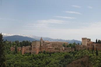 komplek-alhambra-dilihat-dari-teras-masjid-raya-granada