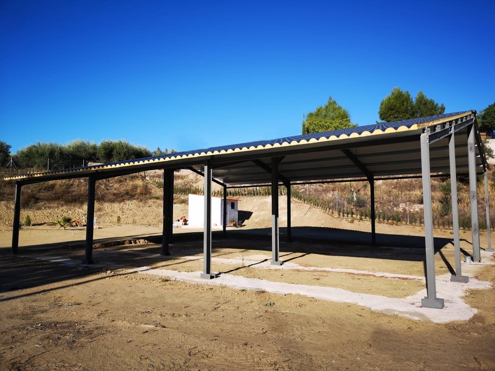 Estructura metalica con cubierta imitacion teja color pizarra
