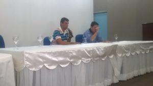 Walmeran Trindade(à esquerda) ao lado do professor Paulo Abrantes