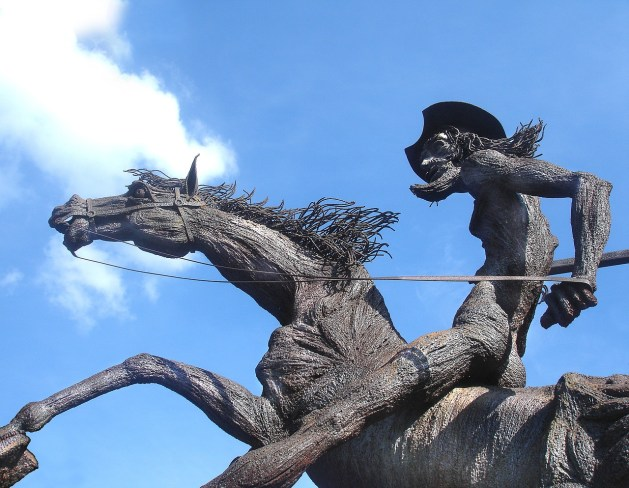 don-quixote-statue-677914_1280