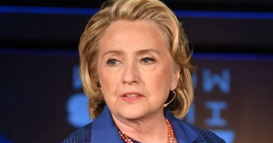 American Aircraft with Hillary Clinton on board grounded