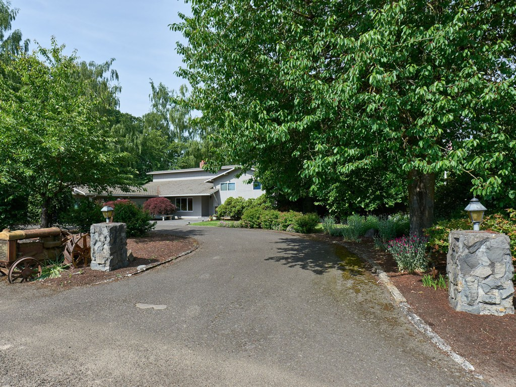 Canby Oregon Home  Acreage