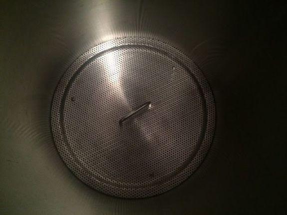 Klarstein Beerfest - Filtro para el grano colocado en el interior de la olla.
