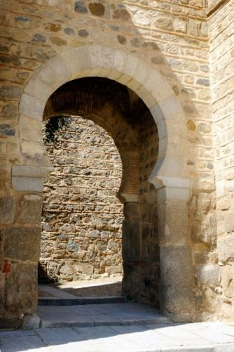 Toledo: puerta del Alcántara s. X