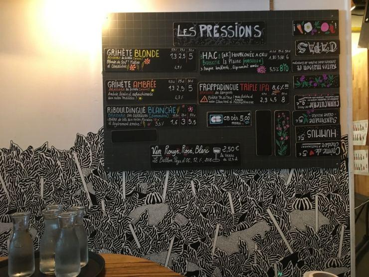 La carte des bières de la brasserie communale à Marseille sur le cours julien