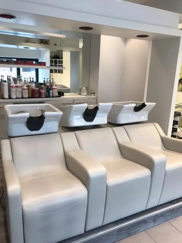 Beau salon de coiffure à remettre à Ciney