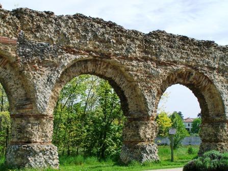 Aqueduc romain du Gier - Chaponost près de Lyon - Fabulous Fabs