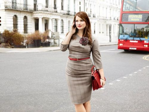 Belle, ronde, sexy ET (surtout) habillée. Mode grande taille.