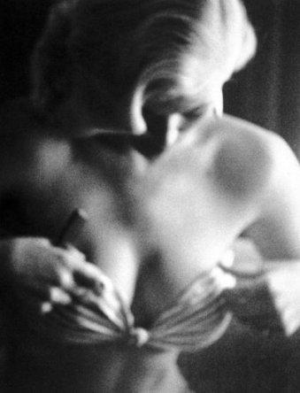 Anita-Ekberg-femme-sexy