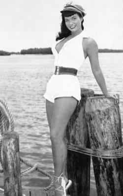 Bettie Page, avant les femmes rondes étaient belles et sexys