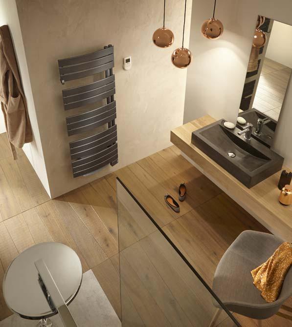 Décoration de salle de bain : les sèche-serviettes en couleur