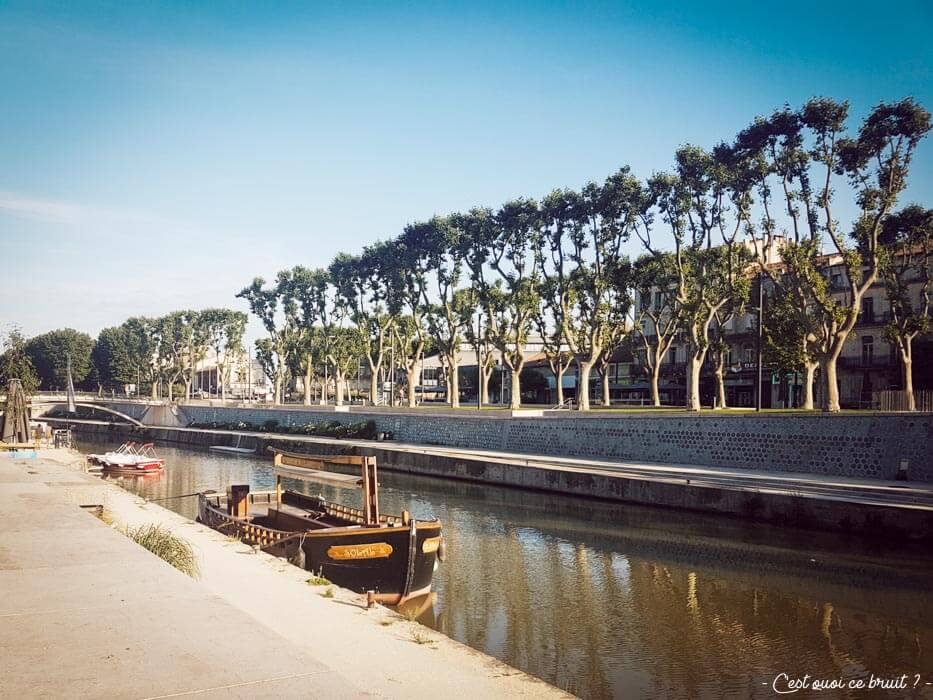 Narbonne dans l'Aude, canal de la Robine