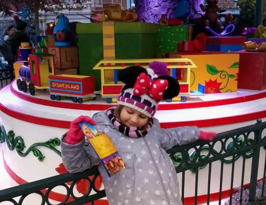 Elle ne croit plus au Père Noël et c'est cool
