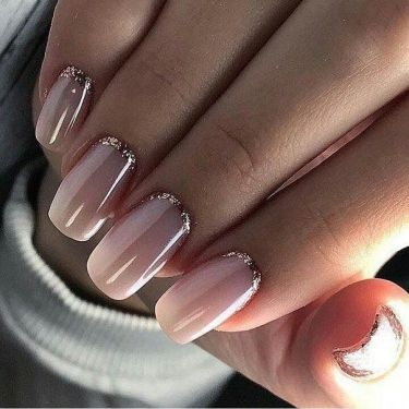 Jolis ongles naturels rose et gold