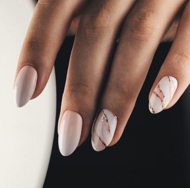 Jolis ongles naturels rose et marble