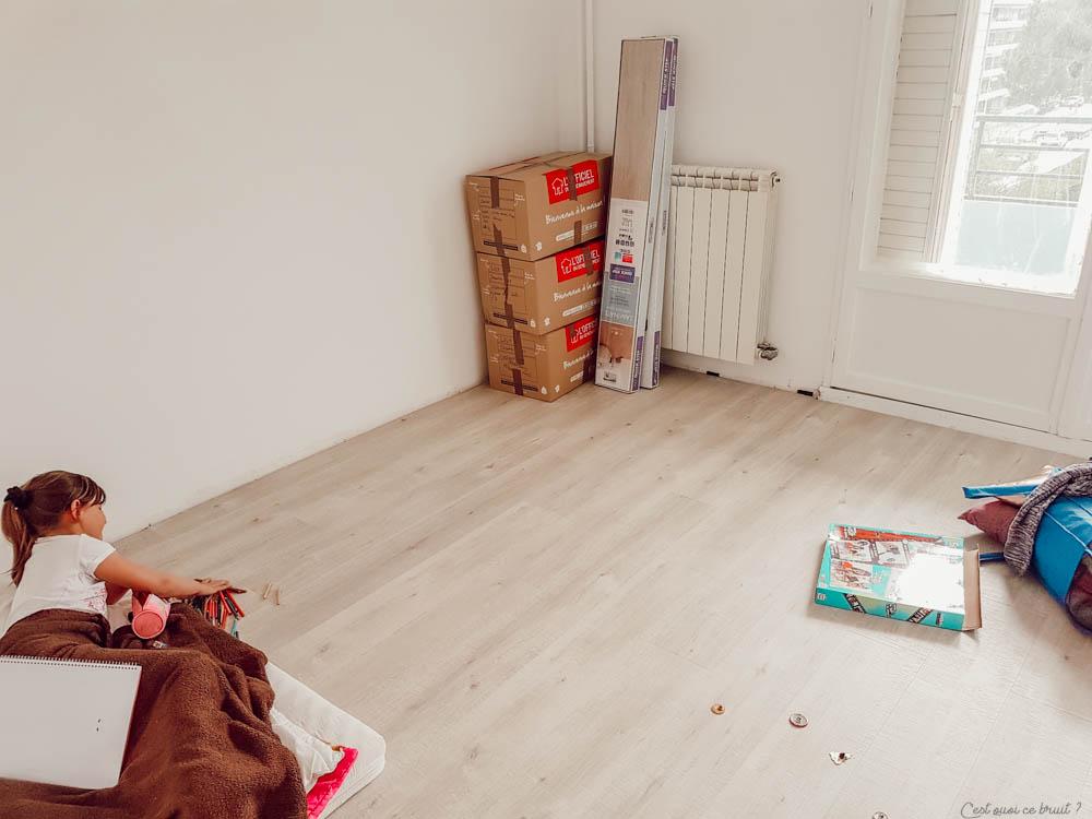 Relooker son intérieur en posant du sol stratifié Quick Step façon bois