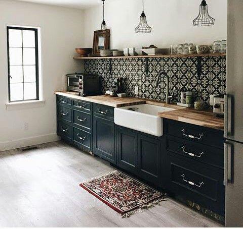 Décoration de cuisine scandinave avec évier à poser blanc #scandinave #deco #decoration #kitchen