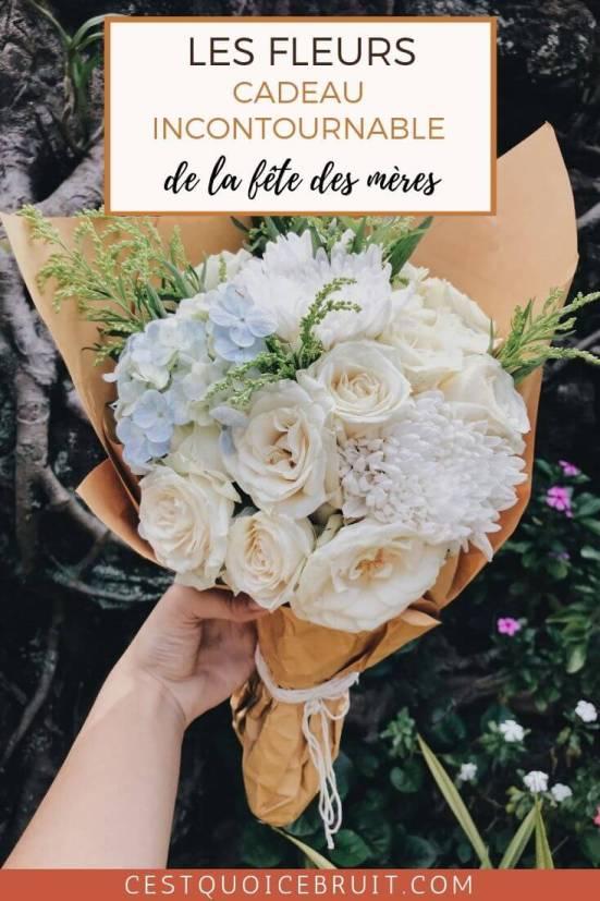 Offrir des fleurs à sa maman, le cadeau incontournable de la fête des mères : bouquet, rose éternelle, c'est le cadeau idéal #maman #mère #fleurs #fêtedesmères #motherday #cadeau