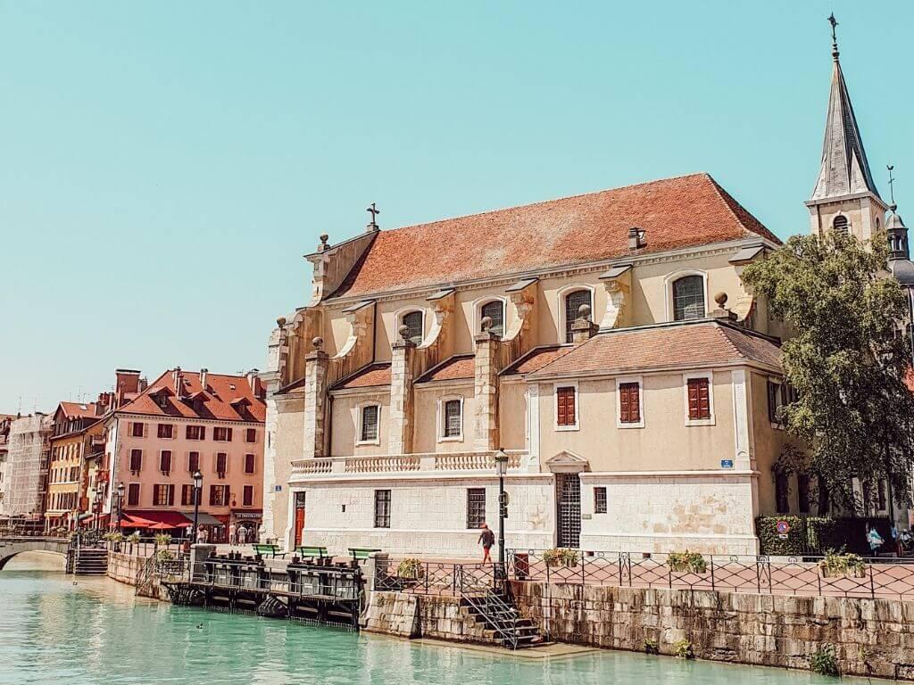 Visiter Annecy en famille, la vieille ville