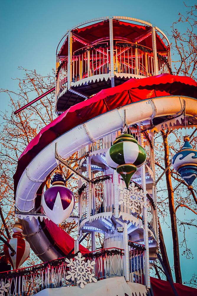 Manège du marché de Noël de Carcassonne (blogtrip Aude famille)