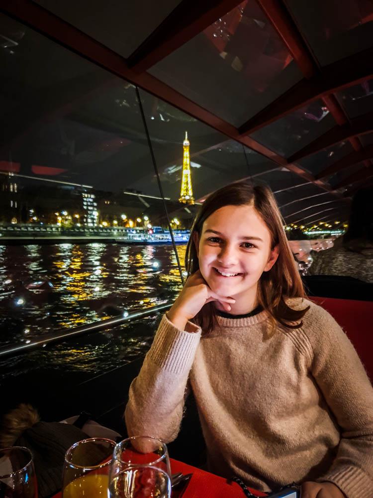 Fêter mes 40 ans avec un dîner croisière sur la Seine, Les Bateaux mouches à Paris