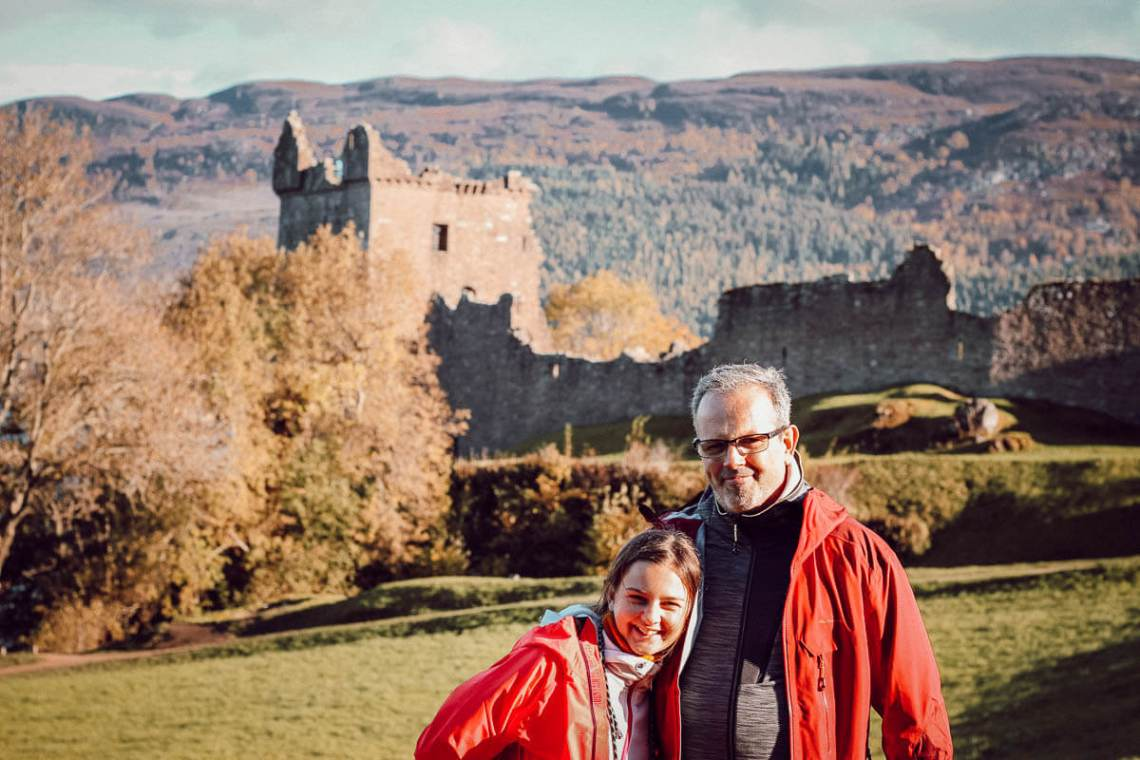 Visiter l'Urquhart Castle en famille (voyage en Ecosse en octobre)