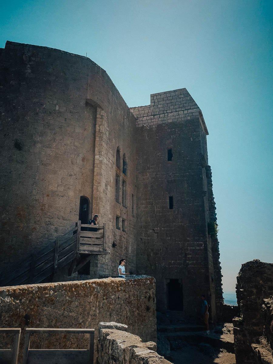 Visiter le château de Quéribus en famille dans l'Aude