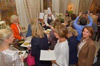 Cooking-Action- Kristina Tröger CeU-Präsidentin Dr. Anne Fleck Doc Fleck, Live-CAM und Gäste