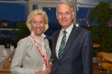 Kristina Tröger CeU-Präsidentin, Dr. Georg Mecke Airbus Standortleiter