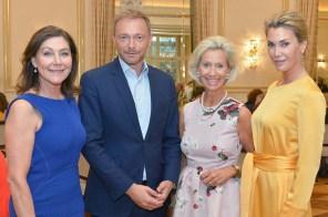 Alexandra von Rehlingen SvR PR, Christian Lindner FDP, Kristina Tröger CeU-Präsidentin, Kirsten Roschlaub Galerie Roschlaub