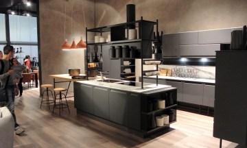 Sobri accostamenti di colore, cucina sobria e lineare