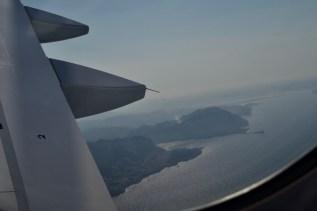 LH 1826 - Blick aus dem Flugzeug auf die Küste im Landeanflug
