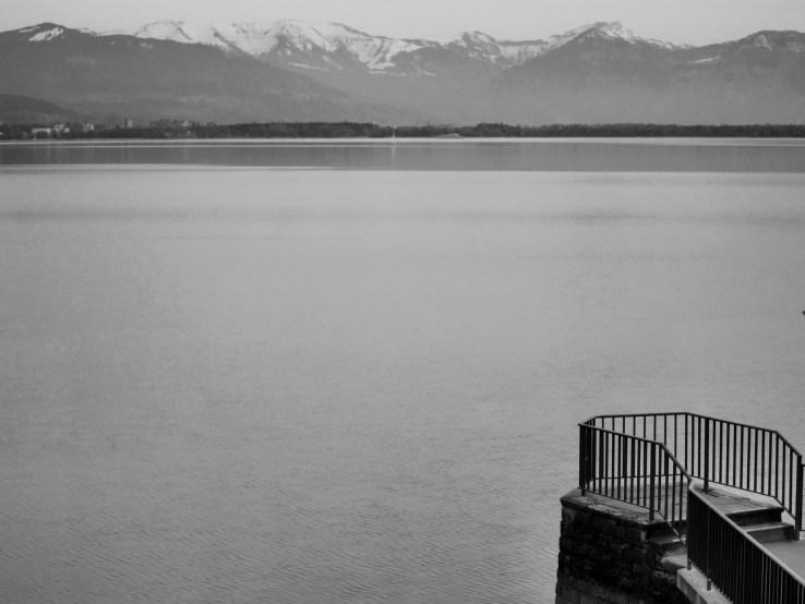Bodensee in Lindau mit Bergen